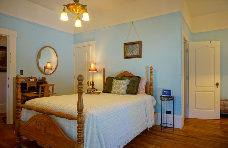 Guest room at Starlight Pines Bed & Breakfast.