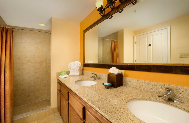 Suite bathroom at Floridays Resort Orlando.