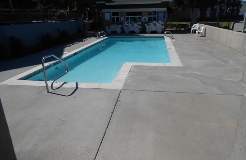 Outdoor Pool at The Best Western PLUS KwaTaqNuk Resort