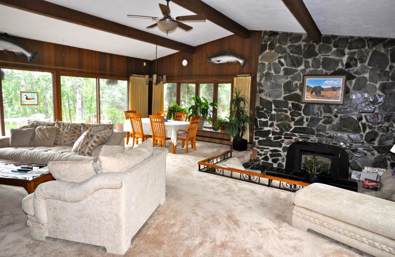 Living room at Soldotna B&B Lodge and Alaska Fishing Charters.
