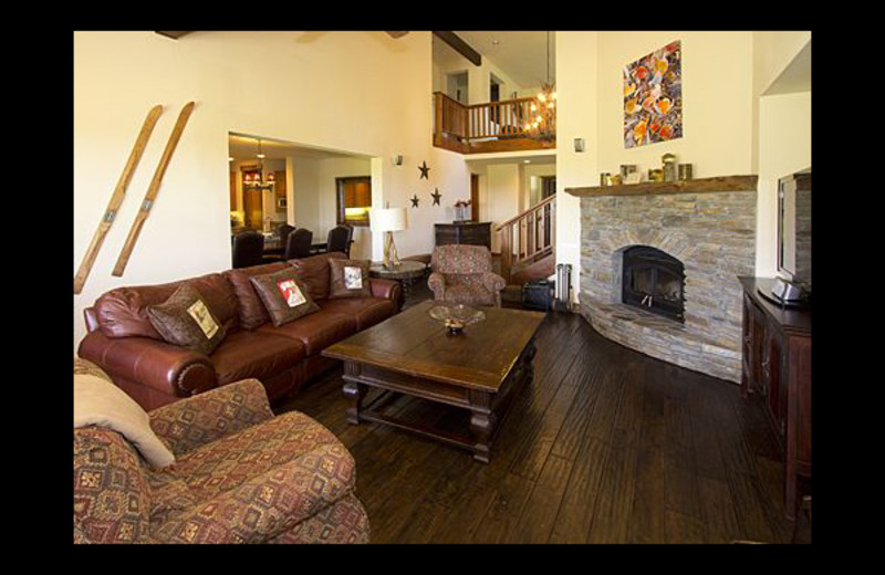 Vacation rental living room at Mammoth Property Reservations.