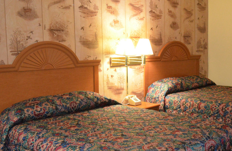 Guest room at Paramount Motel.