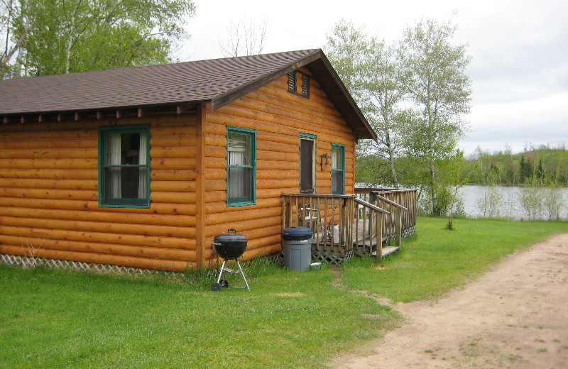 Cabin BY Lake at Vermilion River Cottages