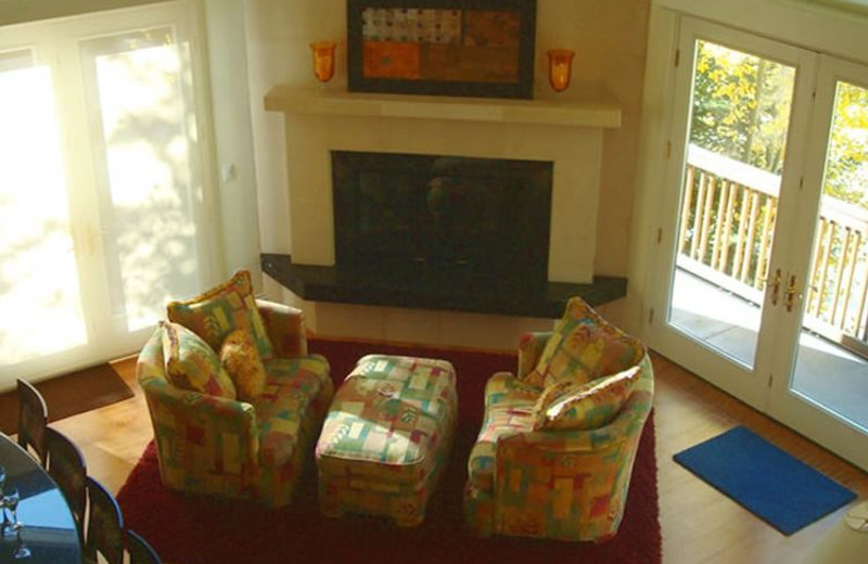 Rental Home Family Room at Triumph Mountain Properties
