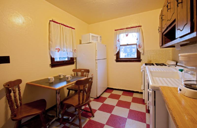 Guest kitchen at Delaware Court Motel.