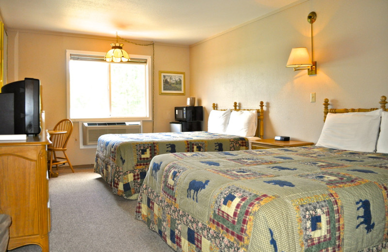 Double guestroom at Sawtelle Mountain Resort.