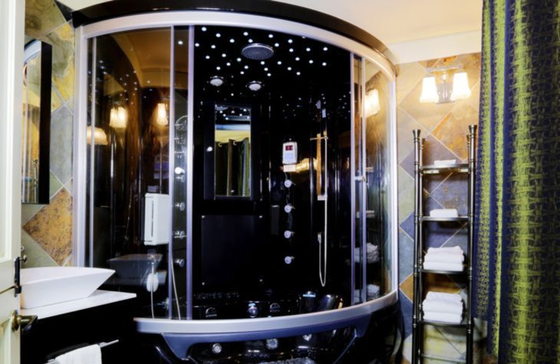 Spa shower at Applewood Inn, Restaurant and Spa.