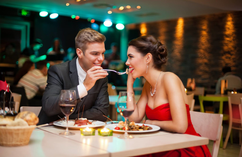 Romantic dining near Alpine Mountain Chalets.