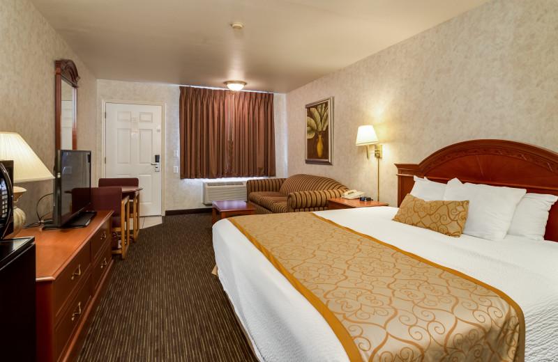 Guest room at St. George Inn.