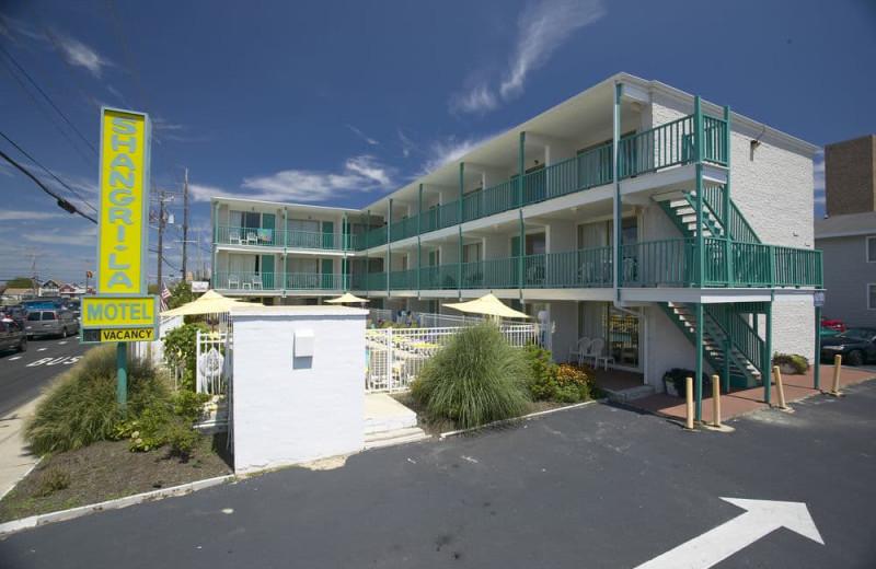 Exterior view of Shangri La Motel.