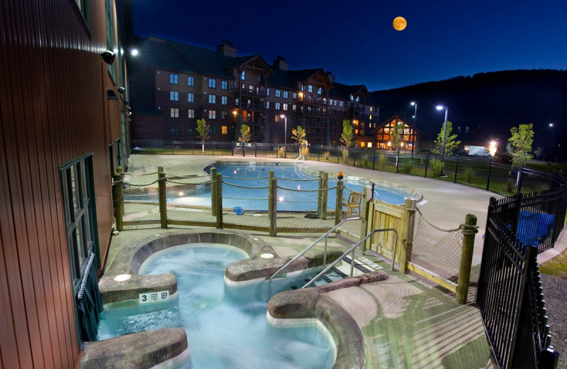 Outdoor pool at Hope Lake Lodge & Indoor Waterpark.