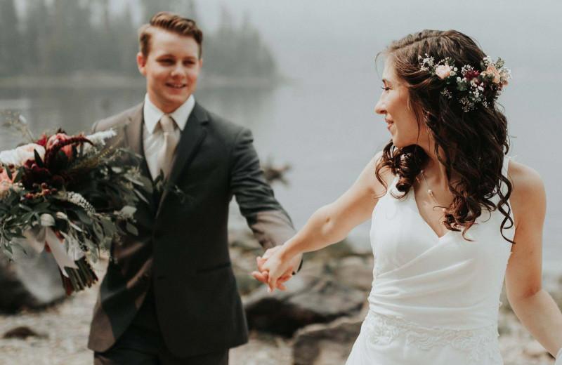 Weddings at Cascade Lodge.