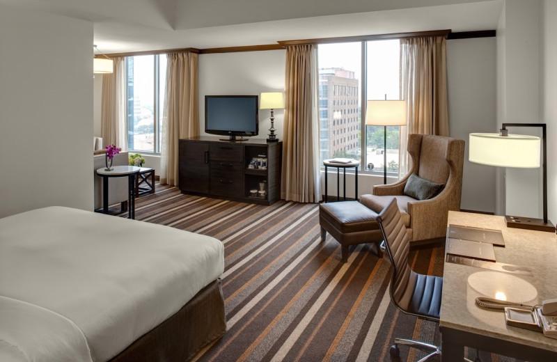 Guest room at Hilton Dallas/Park Cities.