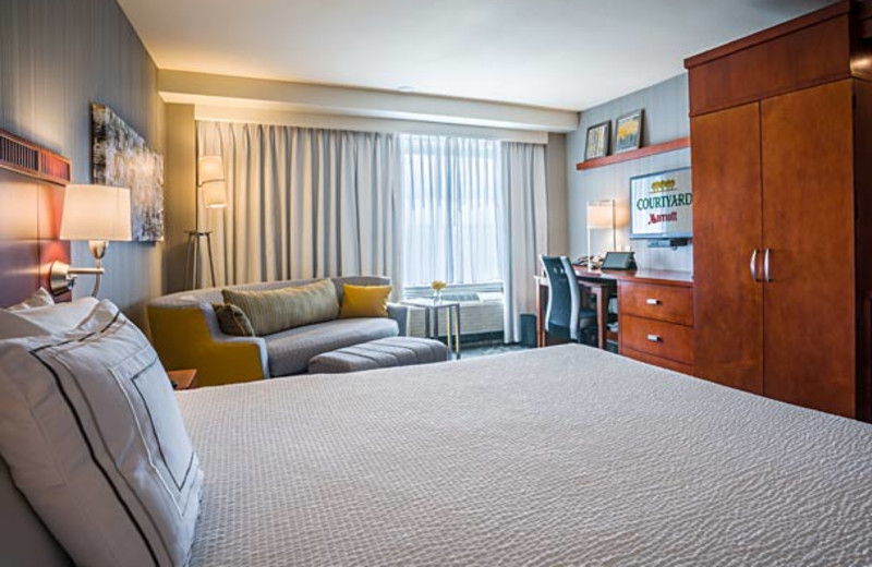 Guest room at Courtyard by Marriott Los Angeles Westside.