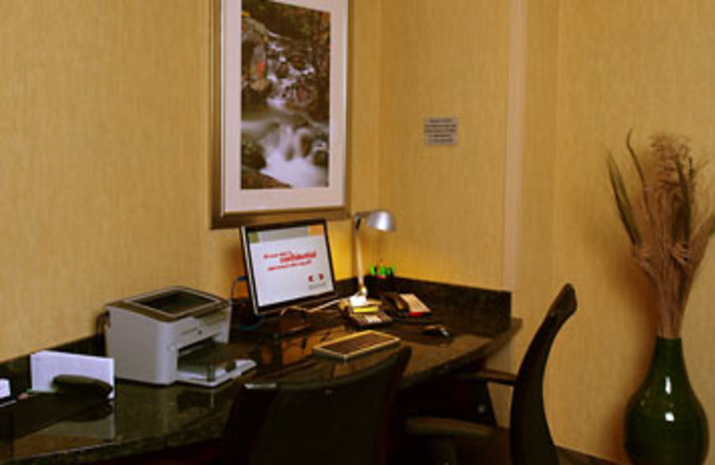 Business Center at SpringHill Suites - Pigeon Forge
