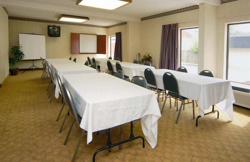 Meeting room at Hampton Inn Port Huron.