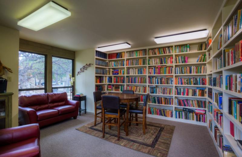 Library at Mo-Ranch.
