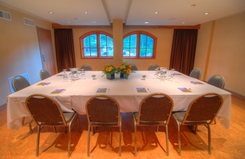 Meetings at Banff Caribou Lodge & Spa.