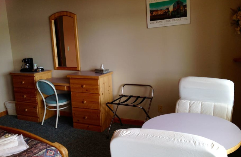 Guest room at Tyee Lake Lodge.
