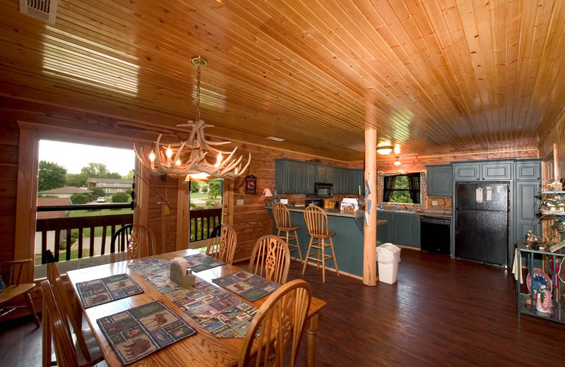 Cottage kitchen and dining at Norfork Resort & Trout Dock.