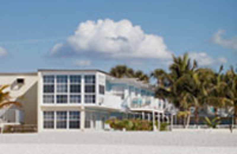 Coquina On The Beach Resort Offers Blend Of Services Amenities For A Clic Florida Vacation This Sarasota Hotel Has Kept Guests Returning