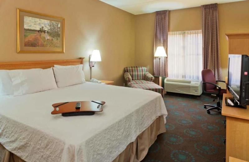 Guest room at Hampton Inn & Suites Goodyear.