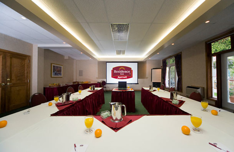 La Fontaine Meeting Room at Residence Inn Mont Tremblant Manoir Labelle.