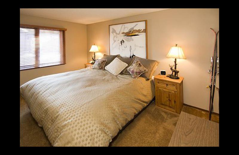 Vacation rental bedroom at JetLiving.