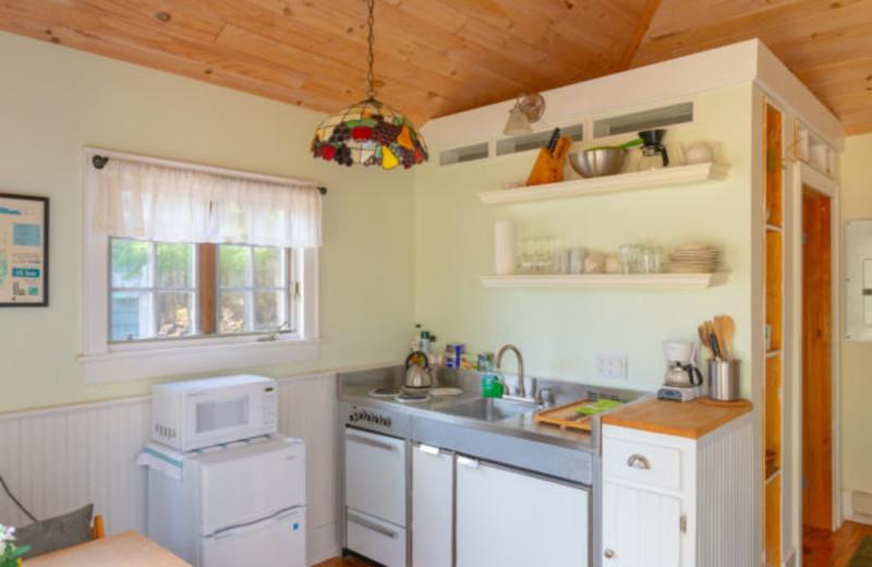 Cottage kitchen at GO-Cottage.