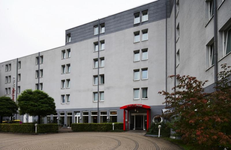 Exterior view of Inter City Hotel Gelsenkirchen.