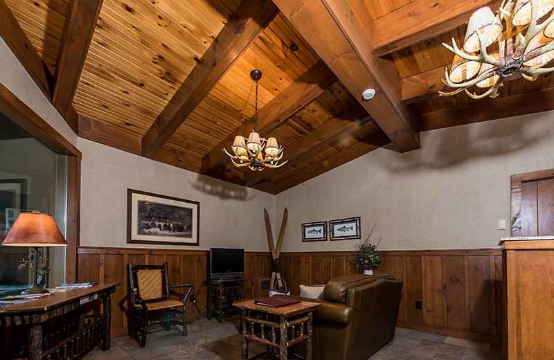 Lobby at Windjammer Lodge.