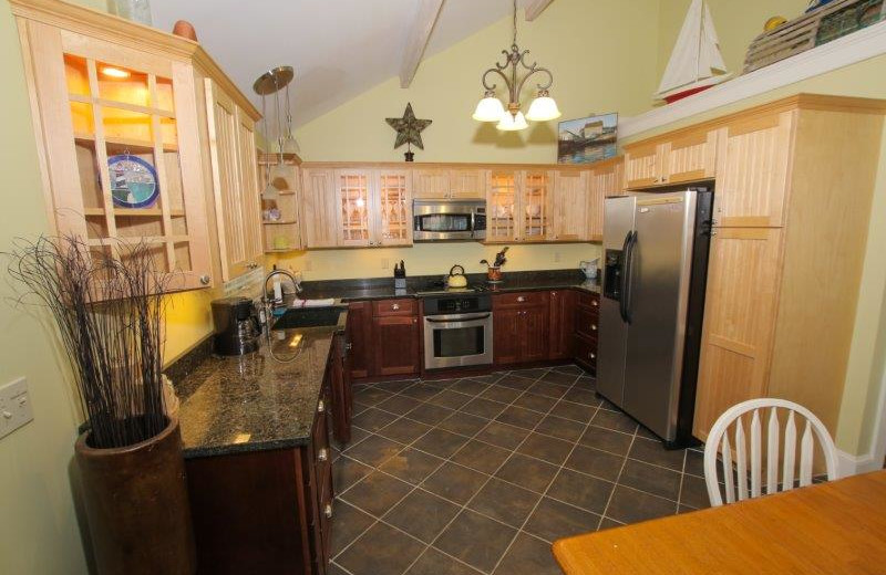 Guest kitchen at Sheepscot Harbour Village & Resort.