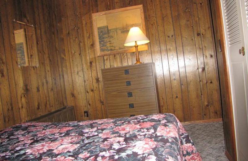 Cottage bedroom at The Depe Dene Resort.