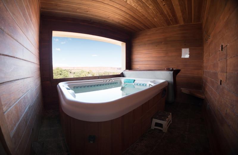 Guest hot tub at SkyRidge Inn.