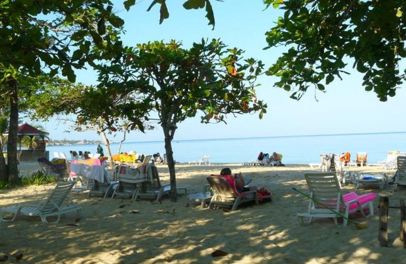 Beach at Negril Beach Club Condos.