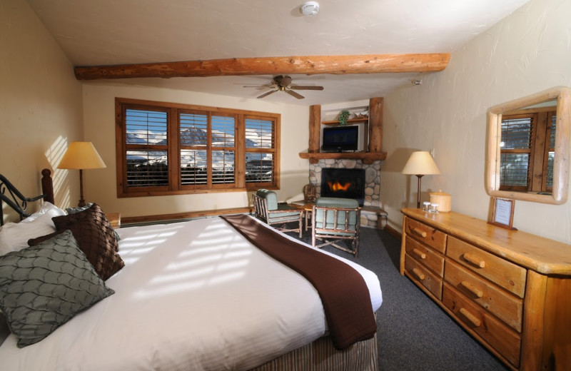 Guest room at The Lodge at Breckenridge.