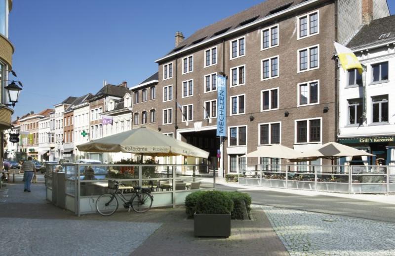 Exterior view of Hotel NH Mechelen.