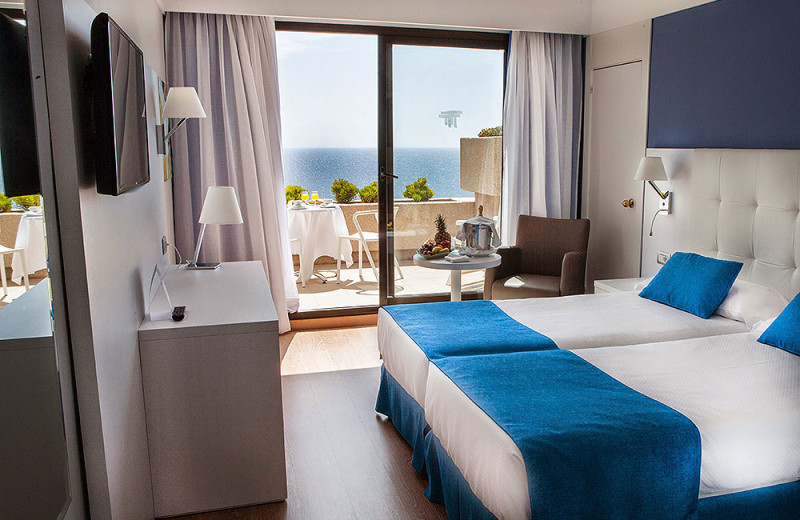 Guest room at Hotel Occidental Teguise Playa.