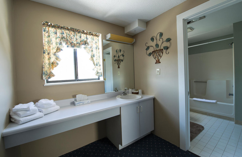 Guest bathroom at Black Bear Lodge.