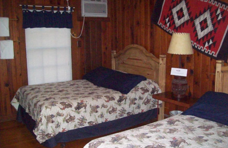 Two bed guest room at Twin Elm Ranch.