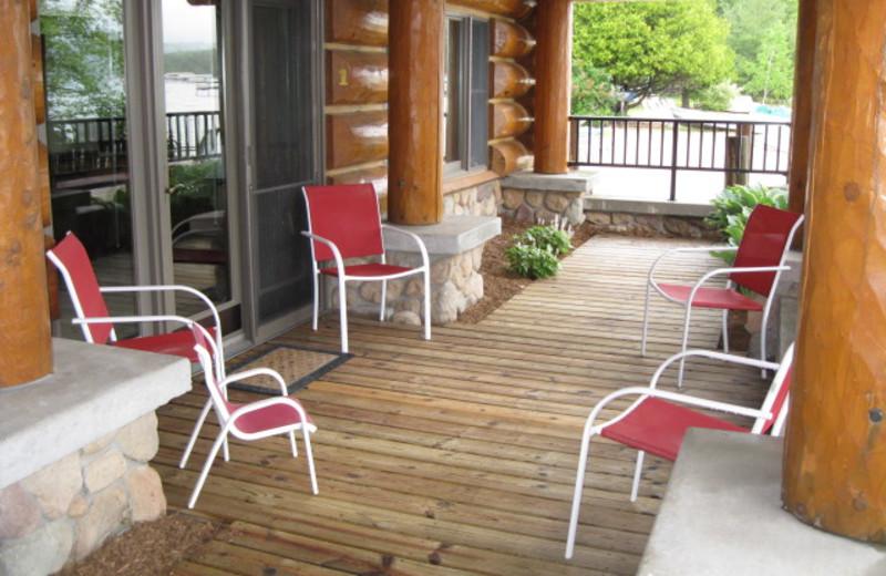 Patio at Glen Craft Marina and Resort.