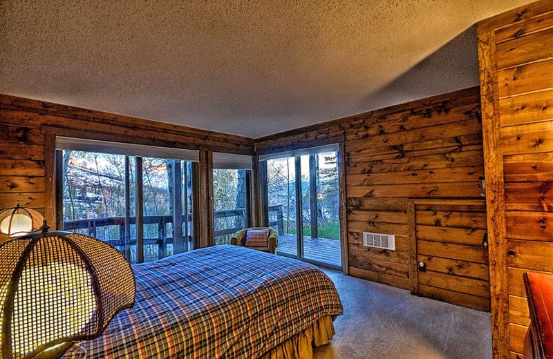 Rental bedroom at Retreatia.com.