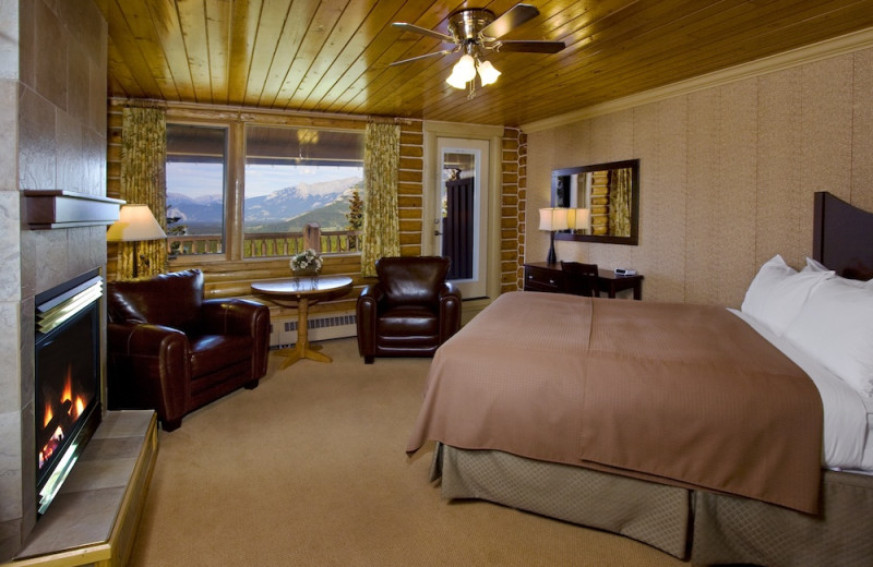 Guest room at Overlander Mountain Lodge.