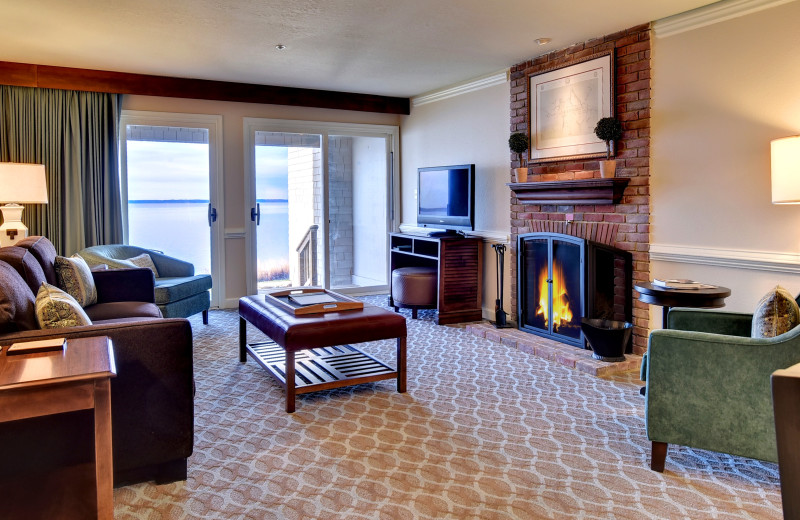 Guest living room at Kingsmill Resort.