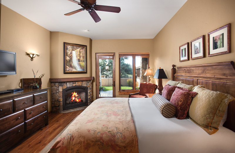 Guest room at Pronghorn Resort.