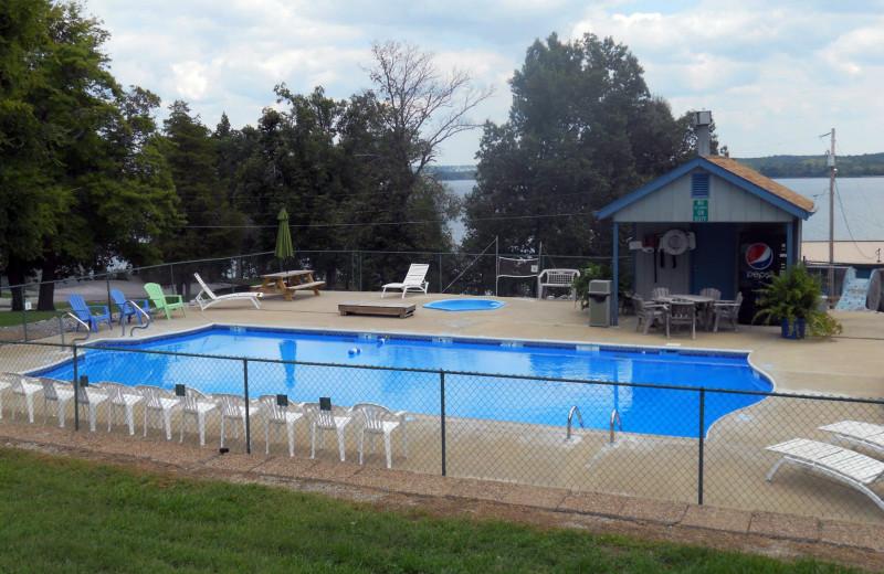 Outdoor pool at Buzzard Rock Resort and Marina.