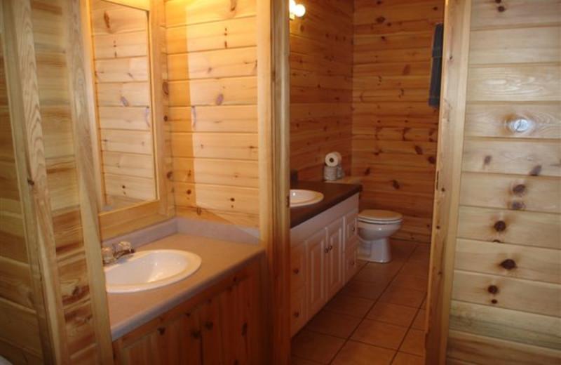 Cabin Bathroom at Ice Cracking Lodge & Resort