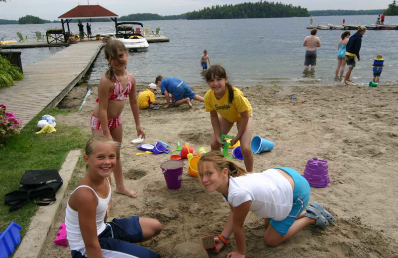 Beach activities at Severn Lodge.