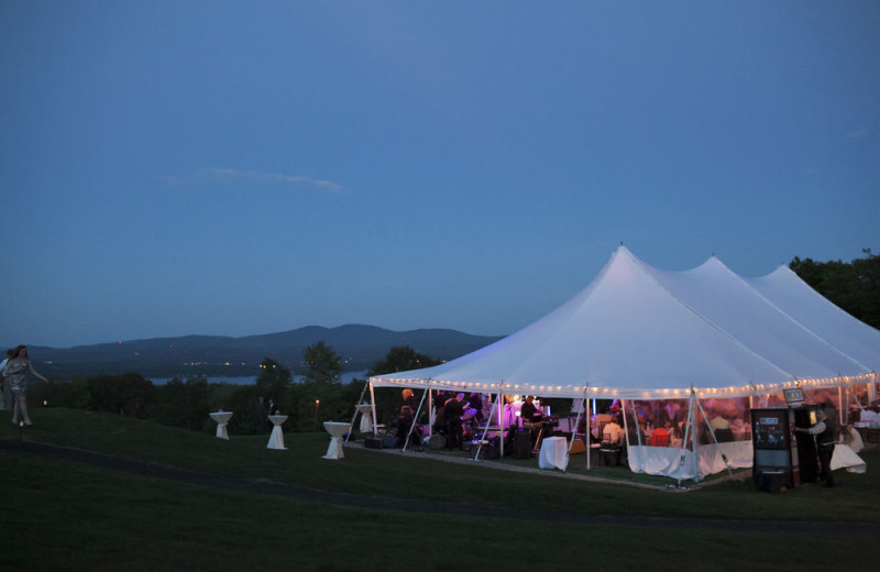 Weddings at Steele Hill Resorts.