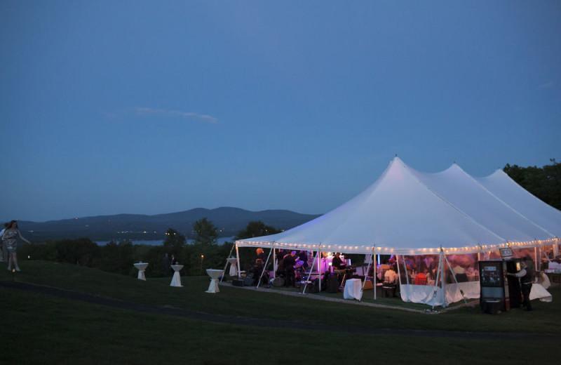 Weddings at Steele Hill Resorts.
